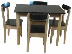 mesa 100x060 mts con 4 sillas vascas